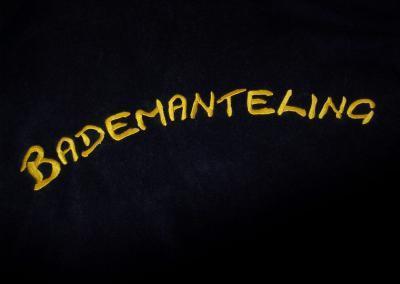 491_Bademandel Schrift Gold sticken besticken