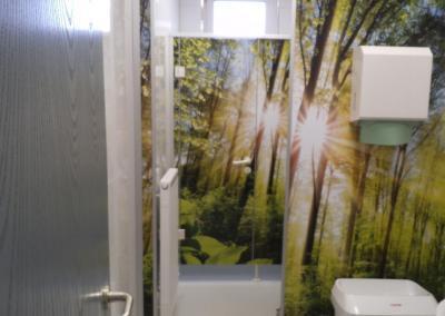 577-Toiletten-Raumgestaltung-Tapete-Wald