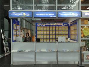 238-Flughafen Dresden Reisebuero-Leuchtkasten