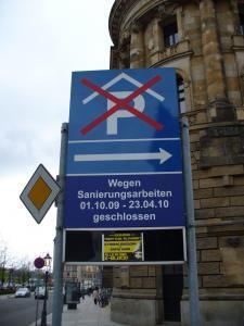274_008--Tiefgarage An der Frauenkirche Dresden-Parkplatzanzeige