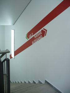 390-Treppenhaus Schablone-Technik
