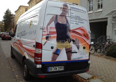 479-car-wrapping-power-woman