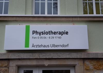 490-Leuchtkasten-bedrucken-Aerztehaus-Physiotherapie