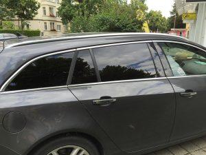 590-Autoscheibentoenung-Fahrzeug-Schwarz-Dunkel