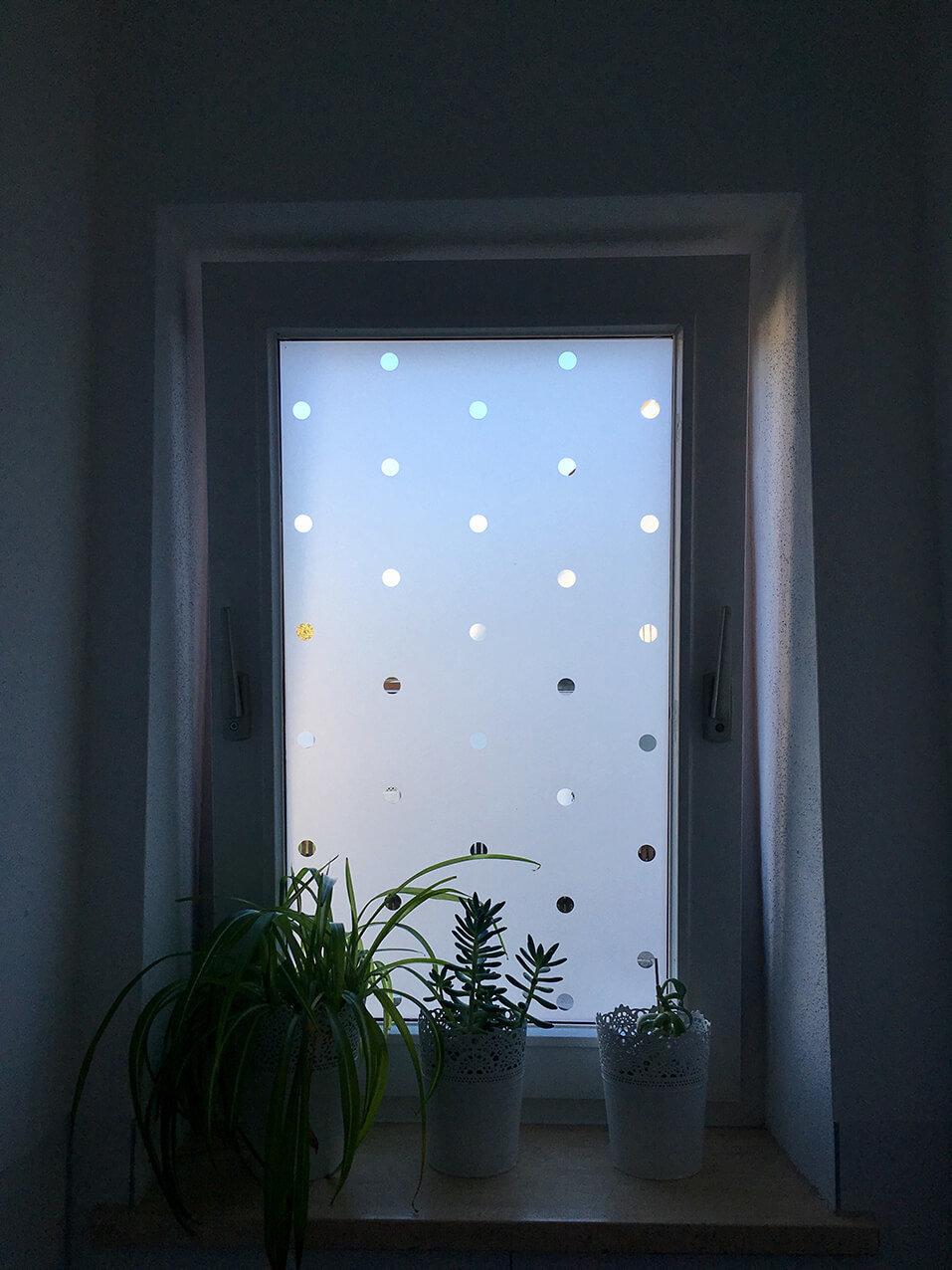Glasdekor Klebefolie Punkte Wohnung Tuer Fenster Wegaswerbung