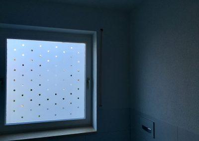 Glasdekor Klebefolie Sichtschutzfolie Punkte Badfenster