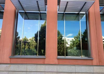 466_Fenster Sonnenschutz Gebäude_1
