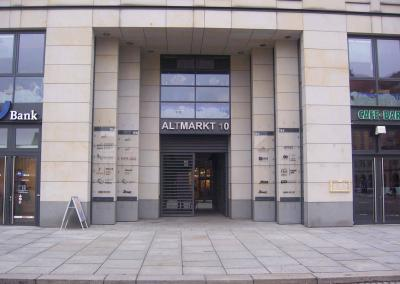 499_Eingangsschilder Altmarkt Dresden