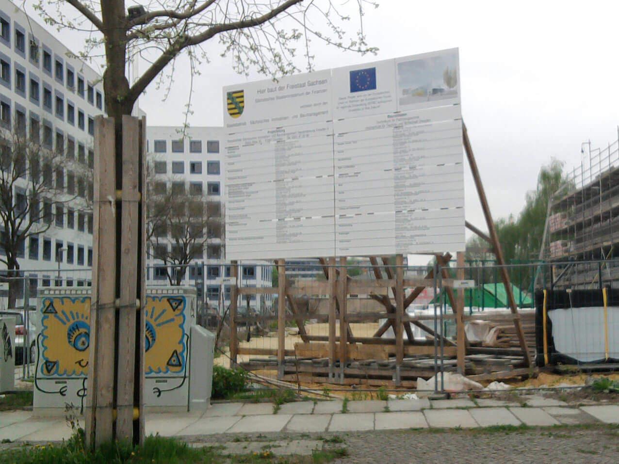 501-Bautafel HTW Dresden Bauschild Montage