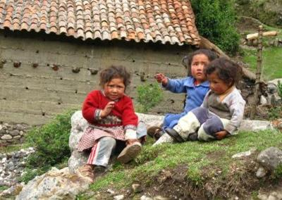 Kinder in Peru Spende Erdbebenopfer