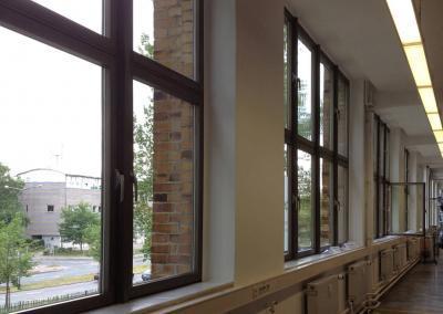 S01202_2_Fensterglas Sonnenschutz Fabrikgebäude