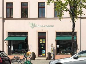 S1003-UV-Schutzfolie-Schaufenster-Buchladen-Dresden