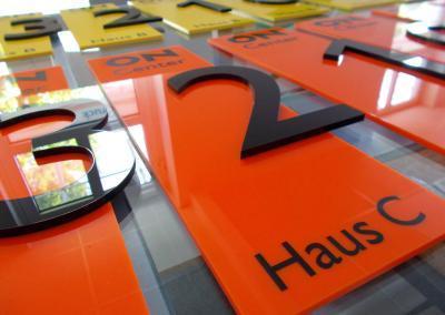 535-fraesbuchstabe-hausbeschriftung