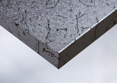 P2-Moebelfolie-Dekorfolie-Metallic-Metall-Metal-Zebra-Silber-gehaemmert-Designfolie