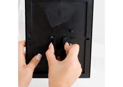 233-OptiFrame-25-mm-schwarz-Klapprahmen-Aufsteller