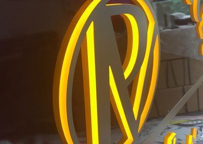 549-LED-Leuchtkasten-Logo-Licht zur Seite