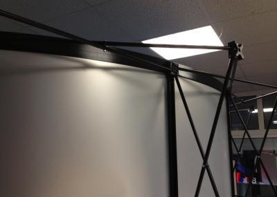D101-Popup-gebogen-Magnet-Panel-Messewand-Scherengitter