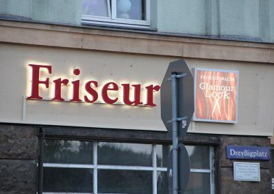 558-LED-Buchstaben Fassade Friseur Mickten Dresden