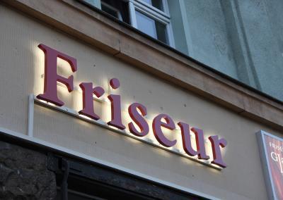 558-LED-Buchstaben Rueckstrahler Friseur