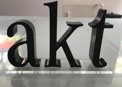 603-Einzelbuchstaben-akt-freistehend Werbeagentur Werbetechnik Wegaswerbung Dresden