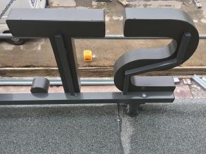 604-Reliefbuchstaben-Holhkoerper-Montageleiter