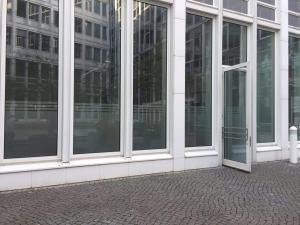 608-Glasdekorfolie-Streifen-Sichtschutz-Dresden