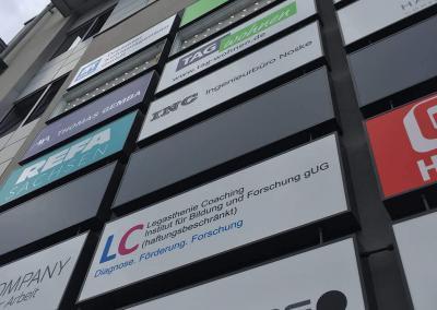 611-ON-Zentrum-Leuchtkästen-Werbeanlage