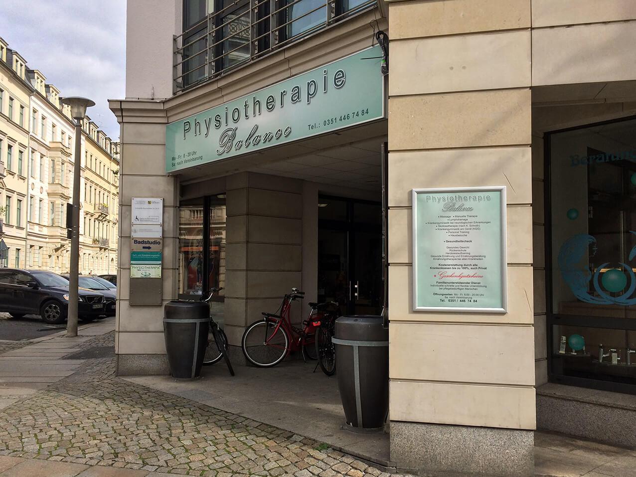 617-Klapprahmen-frames-Aussen-Dresden
