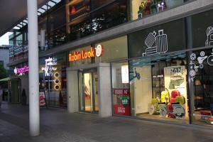 585-Leuchtbuchstaben-Frontleuchter-Prager-Strasse