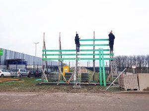 627-Bauschild-Holzgestell-montieren