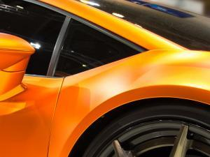 Sportwagen Folierter Rennwagen in matter Autofolie 3m Car Wrap