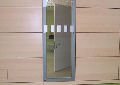 619-Durchlaufschutz-Glasdekorstreifen-Schule-Sporthalle