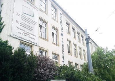 632-Einzelbuchstaben-Fassade-Kulturzentrum Pentacon