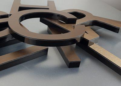 601-Einzelbuchstaben-Aluverbund-Bronze-Edelstahllook-geschliffen