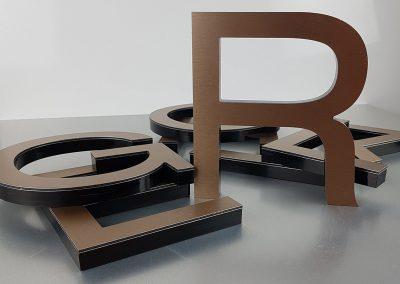601-Einzelbuchstaben-Edelstahllook-gebrushed-gelasert