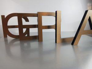 601-Einzelbuchstaben-gefraest-Bronze-Edelstahllook-geschliffen