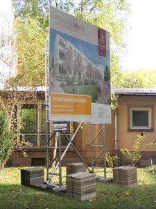 640-Alu-Bauschild-Montage-Dresden-bundesweit-Aluminium-Traverse-Gestell