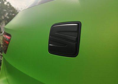 625-Carwrapping-Autofolie-Monogramm-Seat-Zeichen-Emblem-Folierung-schwarz