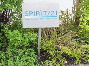 647-Parkplatzschild-Schild-Beschriftung-Parklatz-Montage