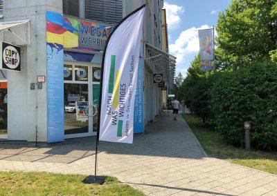 D527-Beachflag-Strandflagge-Fahne-Werbemittel-drucken