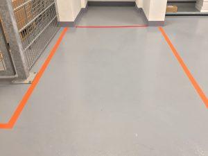 644-Keller-Hallenboden-Markierungsstreifen