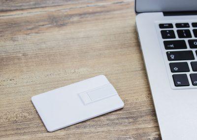 A1012709910-USB-Stick-Karte