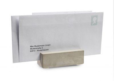 Kartenhalter-Betonfuss-Visitenkarten-Flyer-Zettel-Skizzen-Halterung