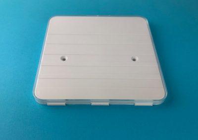 Tuerschild-Schildersystem-Maxi-150x150mm-Grundplatte-Abdeckhaube-Acryl-klar