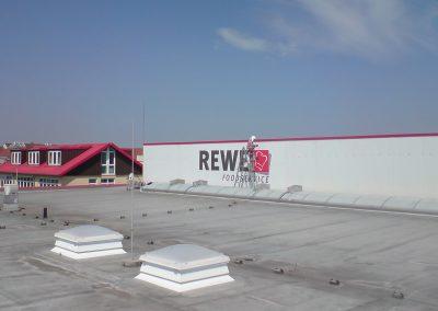 461-REWE-Schilder-Montage-Dachbeschriftung