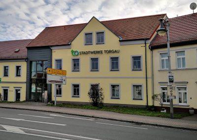 469-Leuchtreklame-Aussenwerbung-Fassade