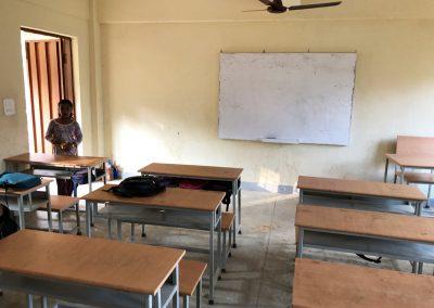neues Klassenzimmer in Schule Bergdorf in Nepal