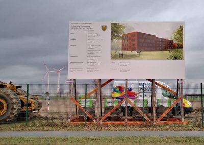472-Bauschild-Montage-bundesweit-Berlin-Ahrensfelde