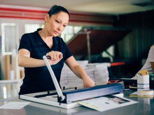 Wegaswerbung-Copyshop-Dresden-Ost-Kopie-Bindung-schneiden-Verarbeiten