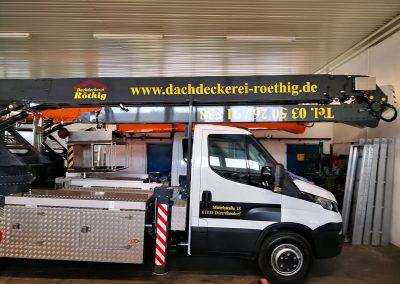621-Transporterbeschriftung-Dachdeckerei-Roethig-Kranbeschriftung
